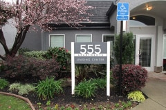 555 Apartments For Lease Post and Panel Sign